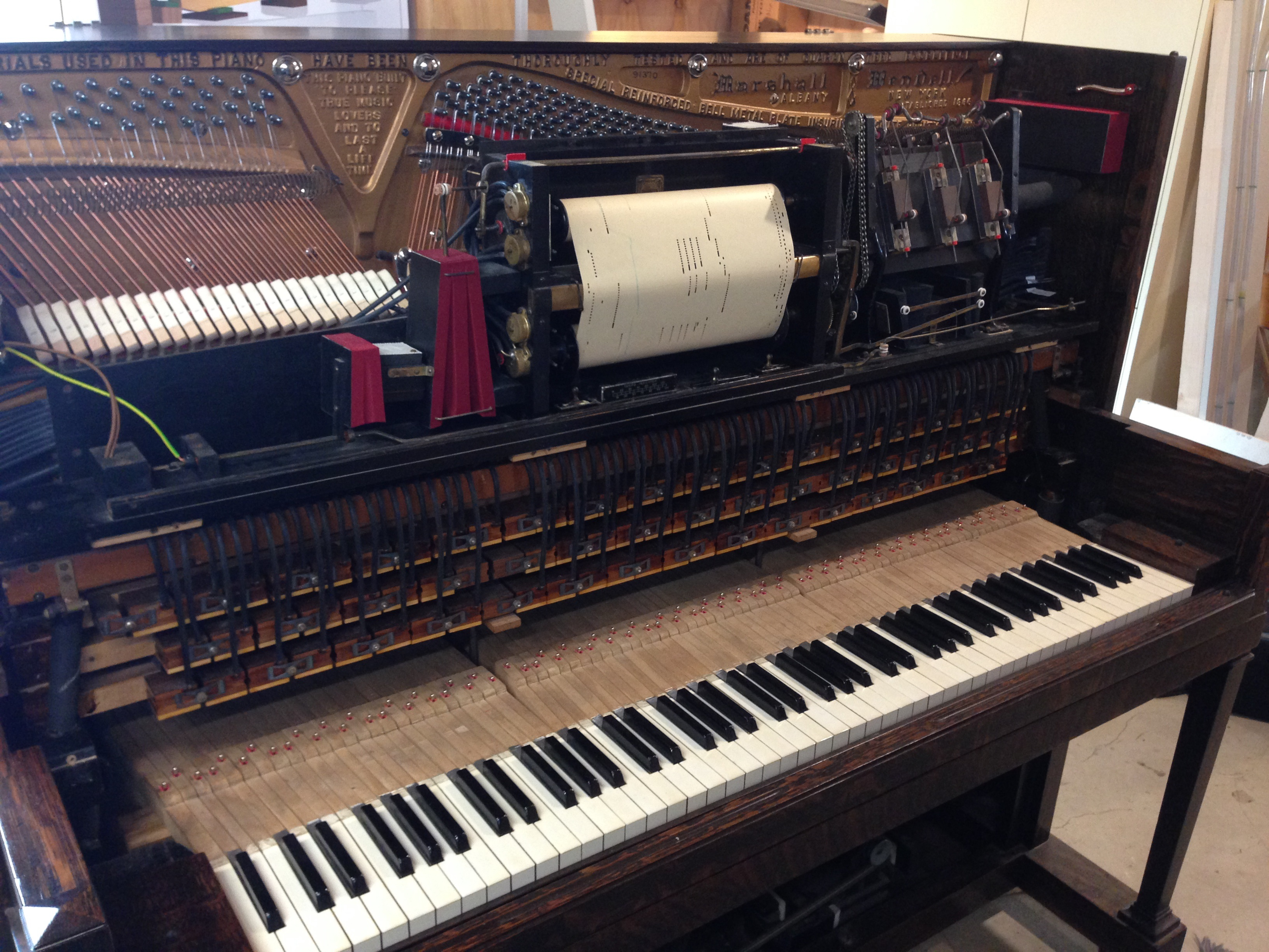 The upper part of the piano